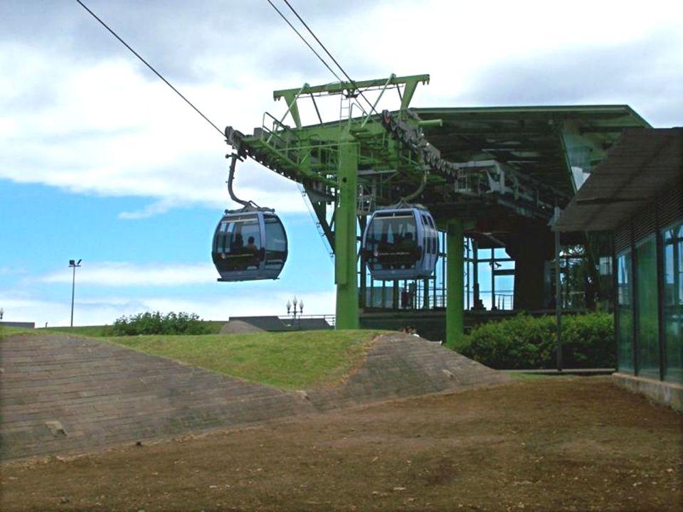W Funchal na Campo Almirante Reis, znajduje się stacja dolna kolejki na Monte (560 m n.p.m.). Kolejka przewozi pasażerów z Funchal na Monte w 11 minut