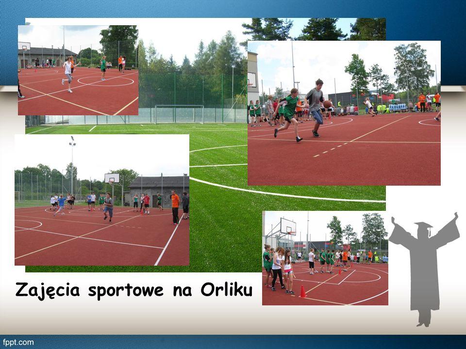 Zajęcia sportowe na Orliku