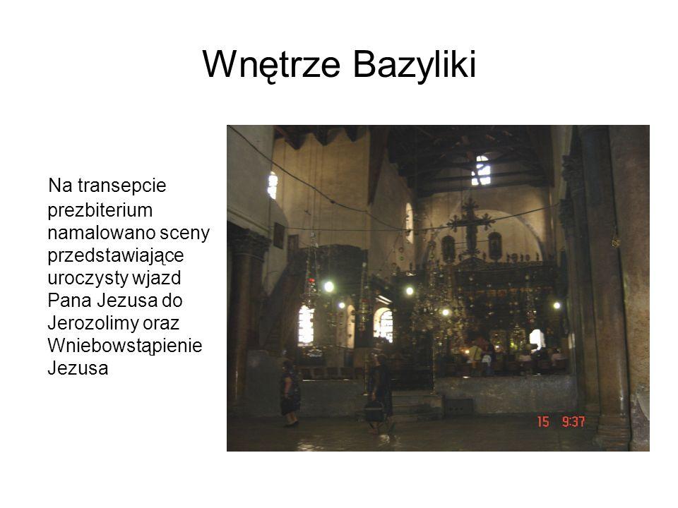 Wnętrze Bazyliki Na transepcie prezbiterium namalowano sceny przedstawiające uroczysty wjazd Pana Jezusa do Jerozolimy oraz Wniebowstąpienie Jezusa