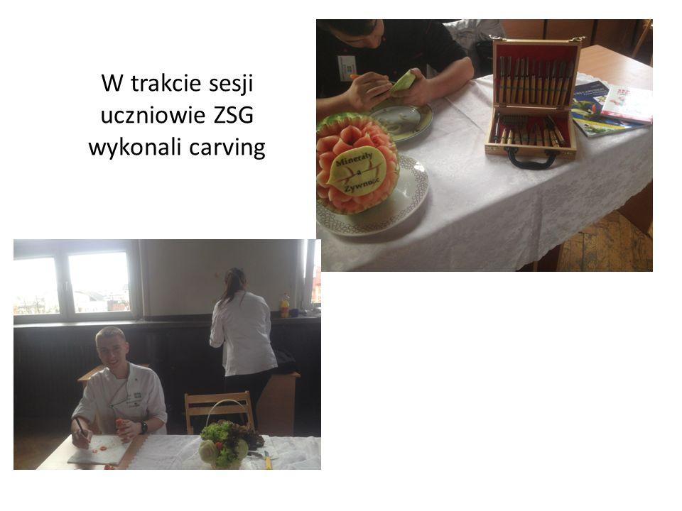 W trakcie sesji uczniowie ZSG wykonali carving