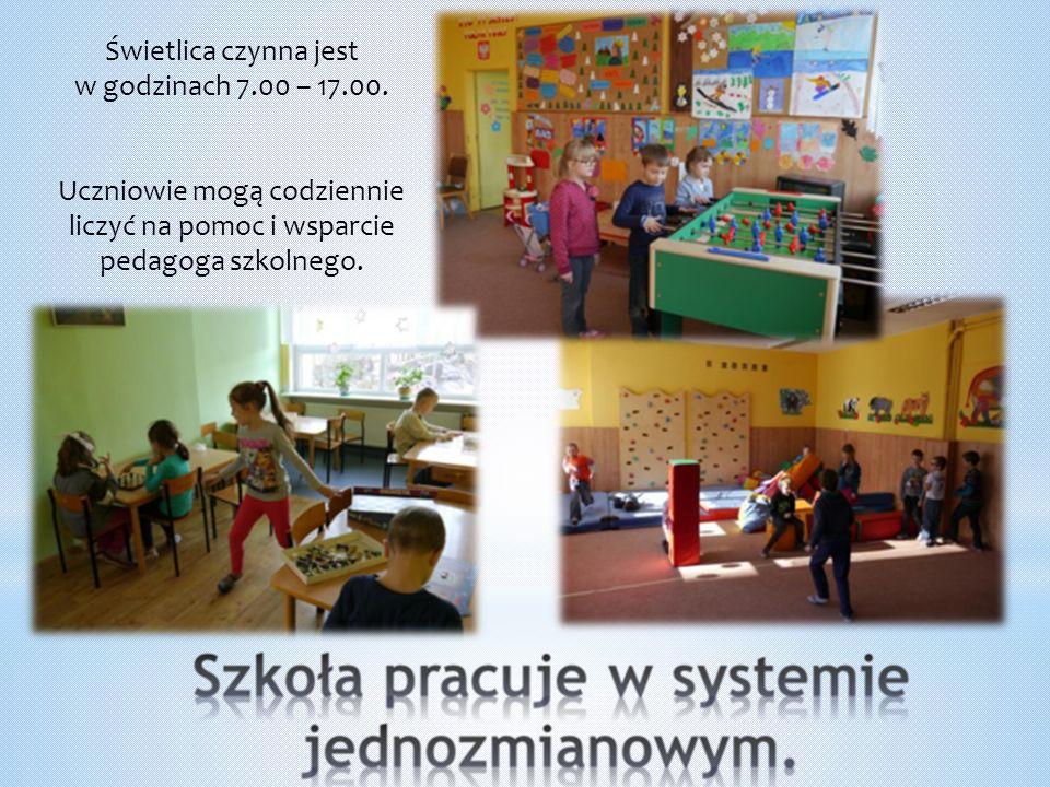 Świetlica czynna jest w godzinach 7.00 – 17.00. Uczniowie mogą codziennie liczyć na pomoc i wsparcie pedagoga szkolnego.