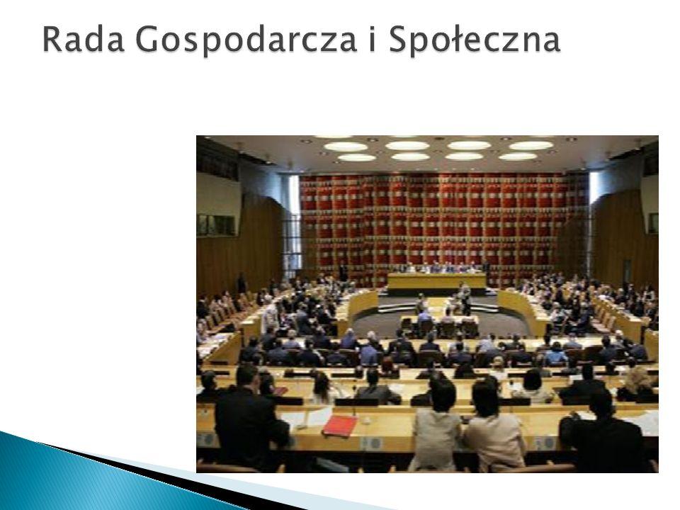 Międzynarodowy Trybunał Sprawiedliwości składa sie z 15 niezależnych sędziów.