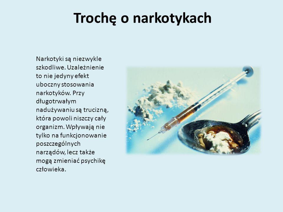 Trochę o dopalaczach Dopalacze, podobnie jak narkotyki, mają działanie psychoaktywne, czyli mają wywoływać w organizmie określone stany – odurzenia, pobudzenia, euforii, halucynacje.