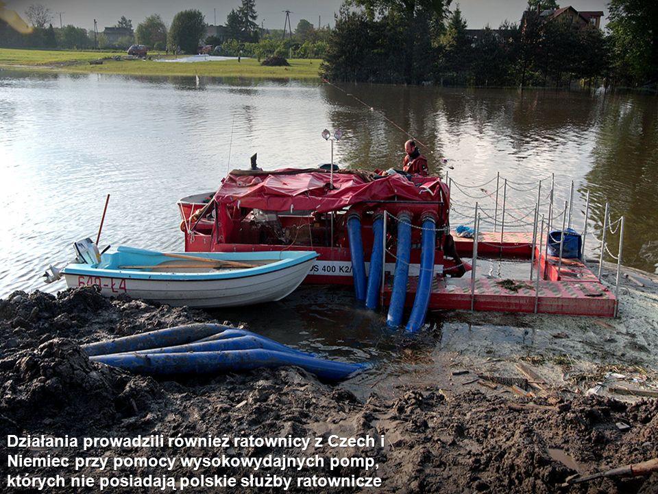 Działania prowadzili również ratownicy z Czech i Niemiec przy pomocy wysokowydajnych pomp, których nie posiadają polskie służby ratownicze