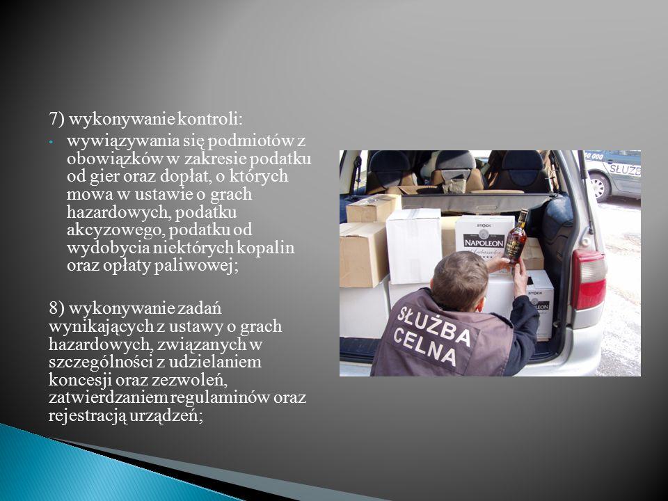 Transport 450 tysięcy paczek papierosów o wartości ponad 5,5 miliona złotych przechwycili w pobliżu polsko-litewskiej granicy funkcjonariusze Służby Celnej z Budziska.
