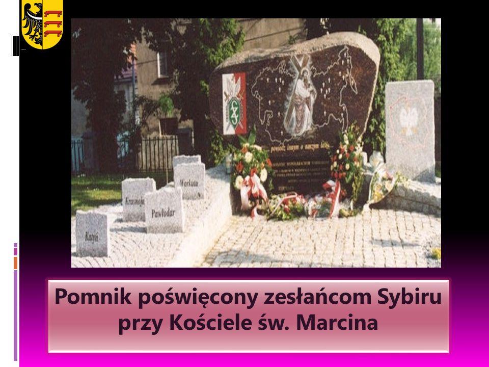 Pomnik poświęcony zesłańcom Sybiru przy Kościele św. Marcina