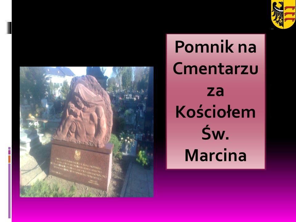 Pomnik na Cmentarzu za Kościołem Św. Marcina