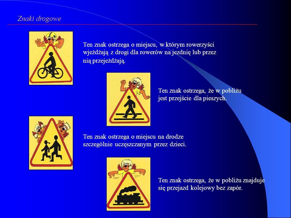Ten znak ostrzega o miejscu, w którym rowerzyści wjeżdżają z drogi dla rowerów na jezdnię lub przez nią przejeżdżają.
