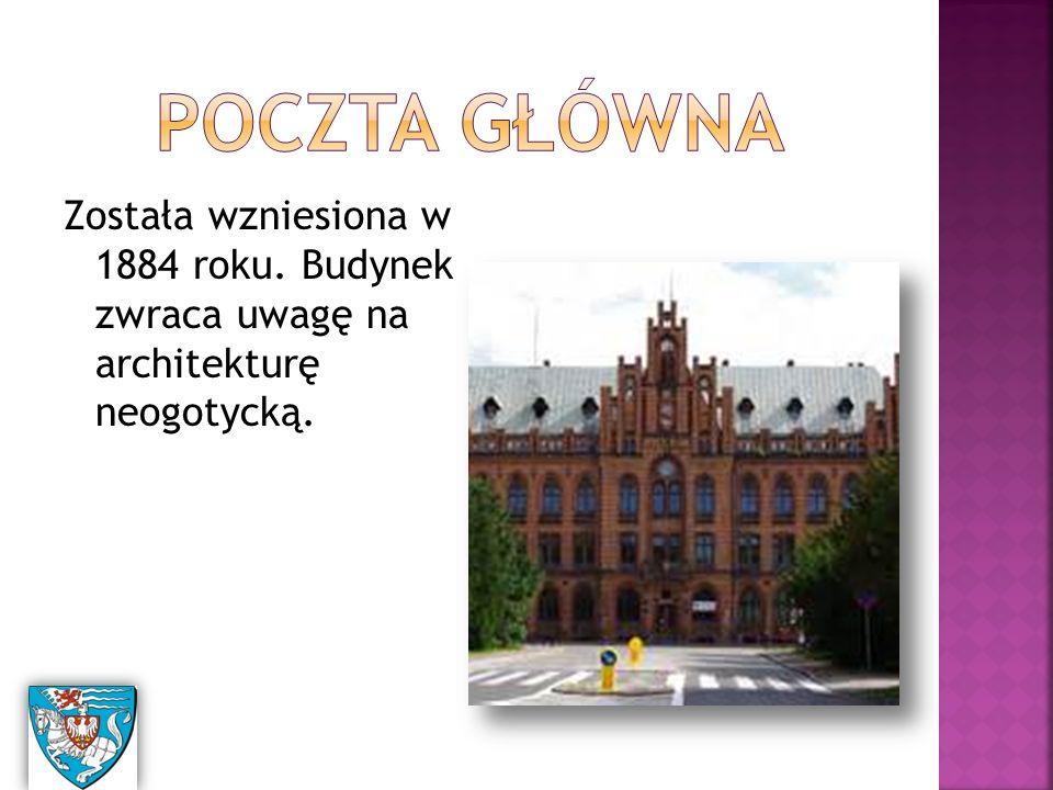 Została wzniesiona w 1884 roku. Budynek zwraca uwagę na architekturę neogotycką.