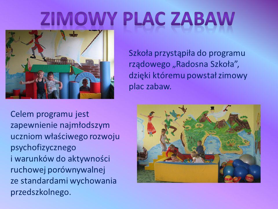 """Szkoła przystąpiła do programu rządowego """"Radosna Szkoła"""", dzięki któremu powstał zimowy plac zabaw. Celem programu jest zapewnienie najmłodszym uczni"""