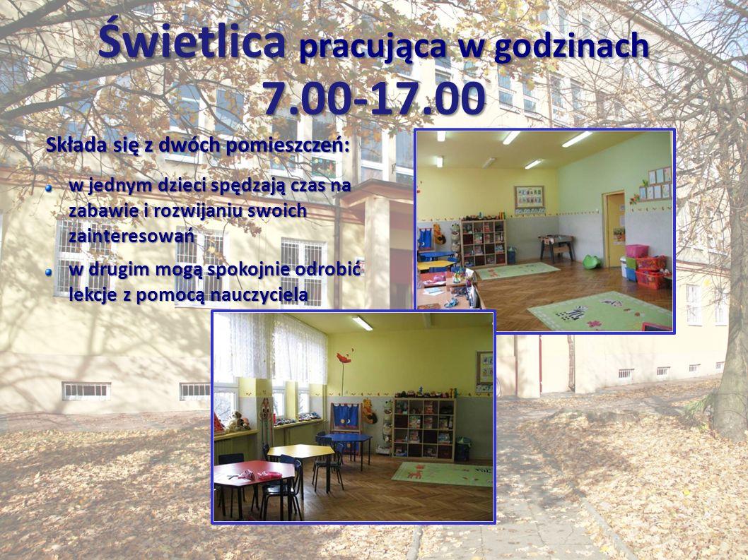 Świetlica pracująca w godzinach 7.00-17.00 Składa się z dwóch pomieszczeń: w jednym dzieci spędzają czas na zabawie i rozwijaniu swoich zainteresowań w drugim mogą spokojnie odrobić lekcje z pomocą nauczyciela