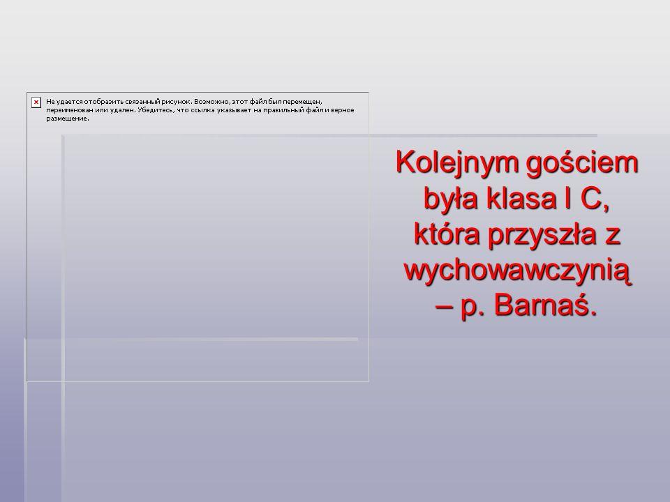"""P.Grażyną Barnaś od 7 lat pracuje w """"piętnastce ."""