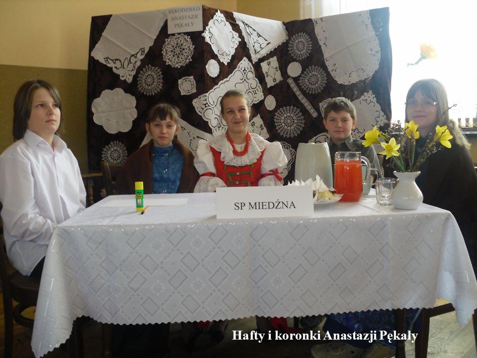 Hafty i koronki Anastazji Pękały