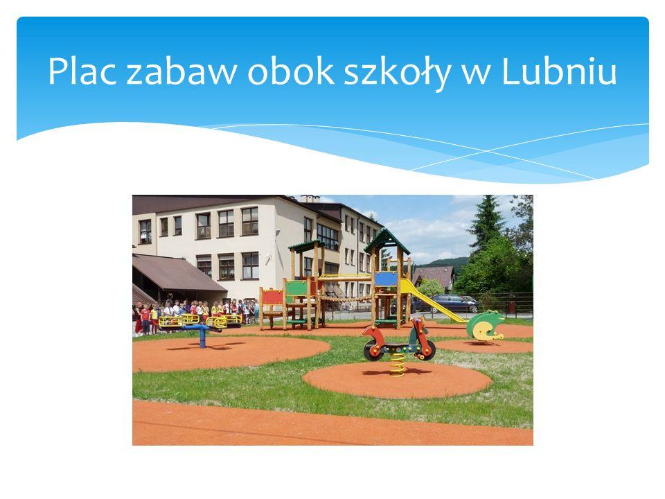 Plac zabaw obok przedszkola w Lubniu