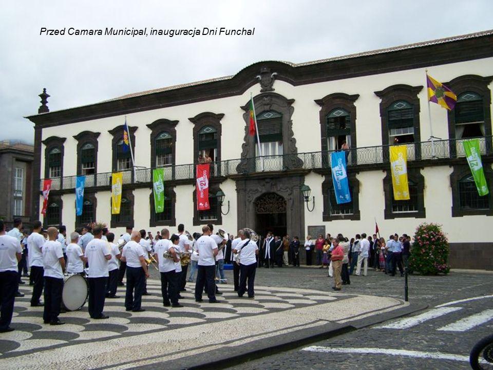 Jan Paweł II podczas swojej drugiej wizyty apostolskiej w Portugalii odwiedził Maderę.