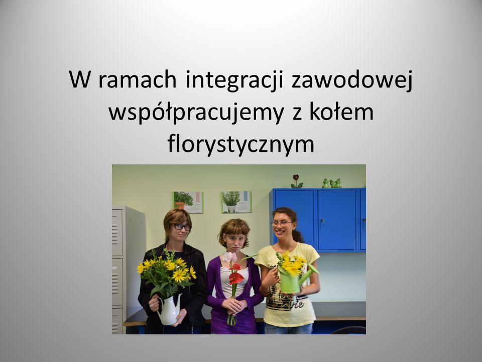 W ramach integracji zawodowej współpracujemy z kołem florystycznym