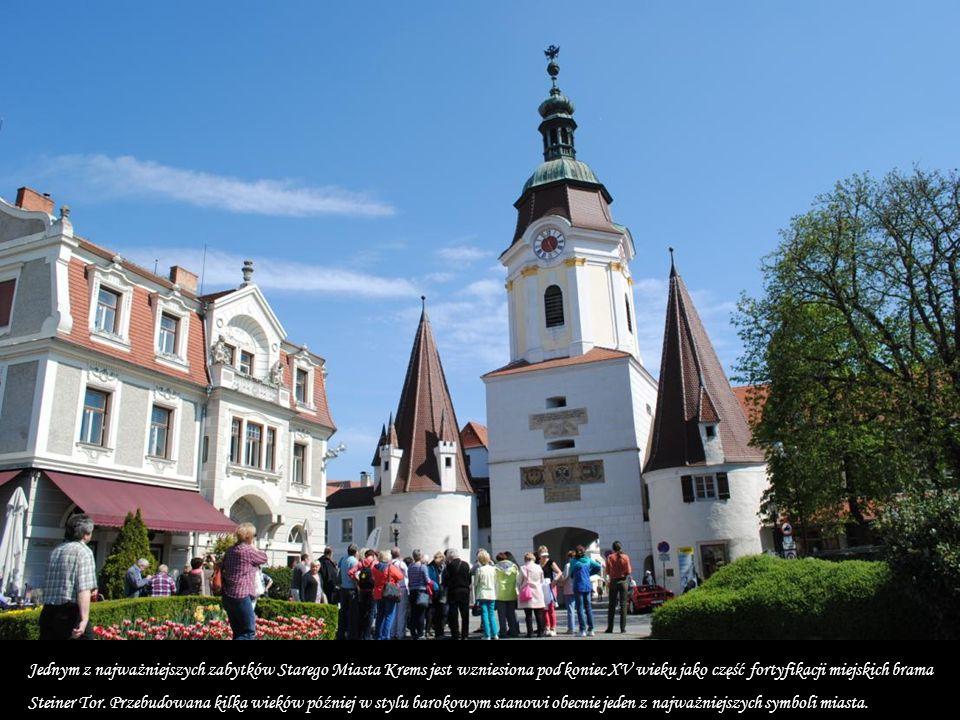 Krems an der Donau Krems an der Donau to zabytkowe miasto w Dolnej Austrii, położone na wschodnim krańcu malowniczej Doliny Wachau przy ujściu rzeki G