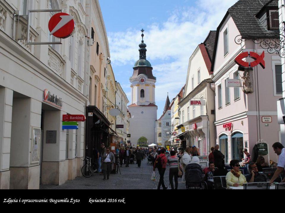 W 2000 roku stare miasta w Krems oraz Stein wraz z Doliną Wachau wpisane zostały na Listę Światowego Dziedzictwa UNESCO.