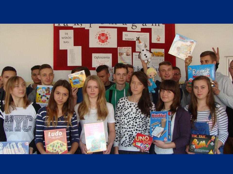 Wymarzone prezenty przekazaliśmy na ręce pani Magdaleny Książek z OTOP, mając nadzieję, że przyniosą one dzieciom radość i uśmiech.