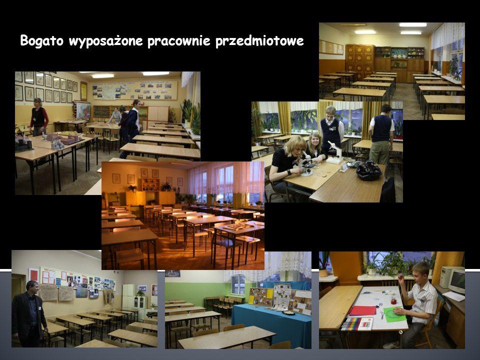 Nad naszymi uczniami czuwa: Grono doświadczonych nauczycieli o najwyższych kwalifikacjach Pedagog szkolny Pn – Wt 9.00 – 13.00 Środa 10.00 – 13.00 Czwartek 13.00 – 17.00 Piątek 9.00 – 13.00 Psycholog Poniedziałki godz.