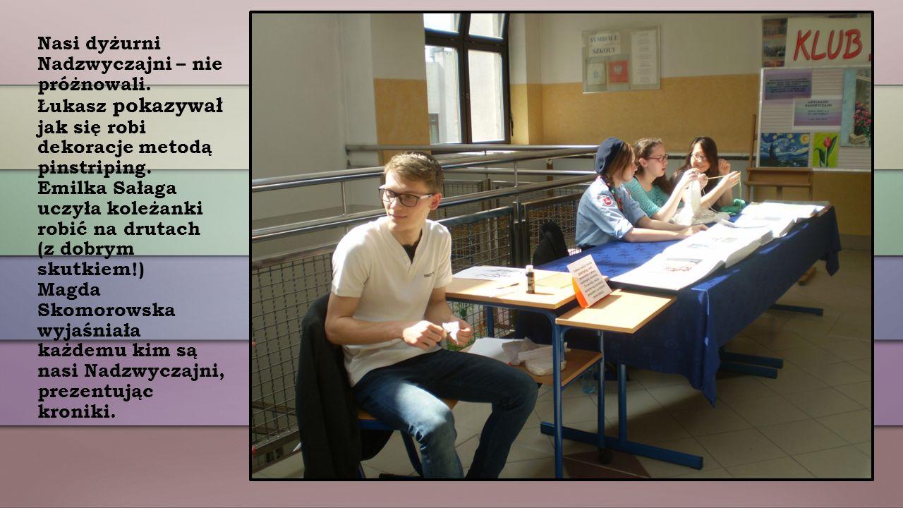 Wojtek Golczewski jako NADZWYCZAJNY FOTOGRAF robił zdjęcia przyszłym uczniom naszej szkoły.