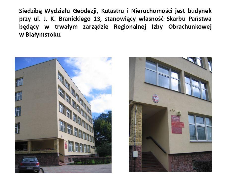 Siedzibą Wydziału Geodezji, Katastru i Nieruchomości jest budynek przy ul.
