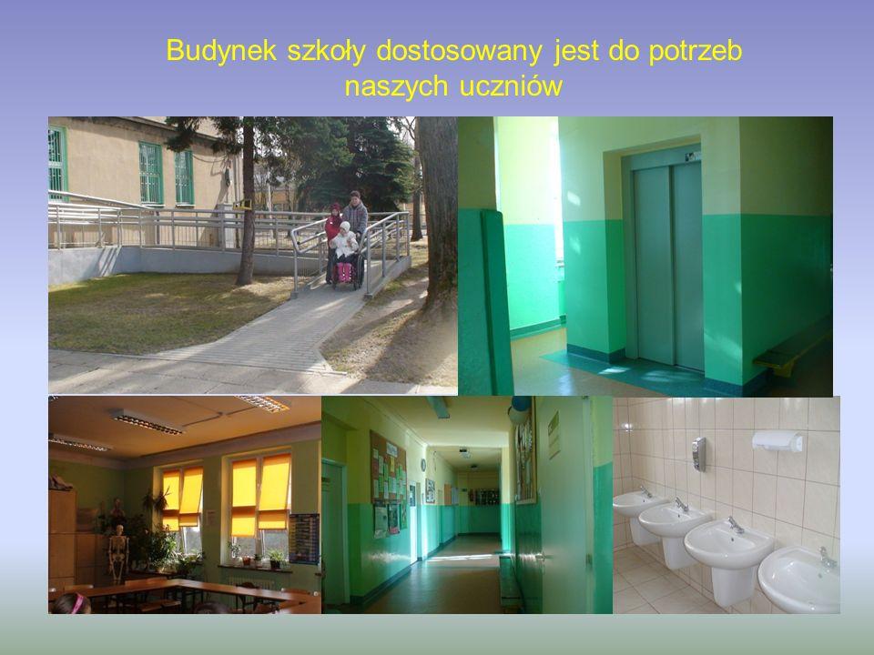 Budynek szkoły dostosowany jest do potrzeb naszych uczniów