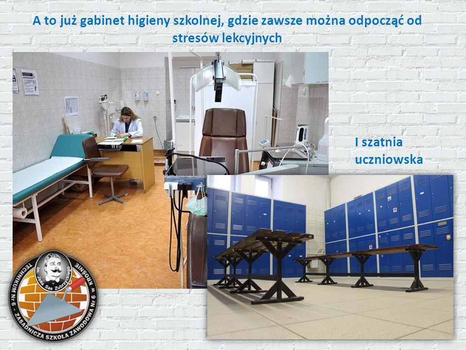 A to już gabinet higieny szkolnej, gdzie zawsze można odpocząć od stresów lekcyjnych I szatnia uczniowska