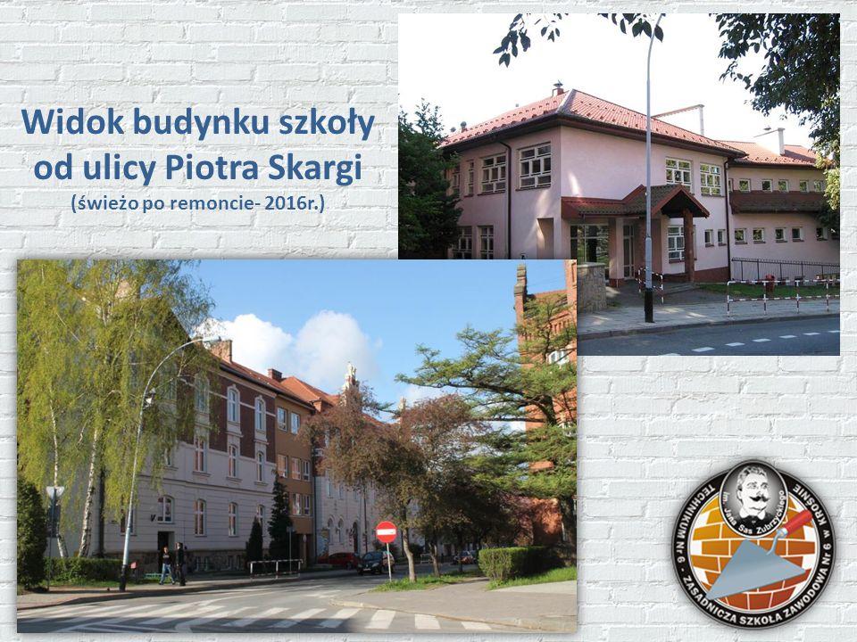 Widok budynku szkoły od ulicy Piotra Skargi (świeżo po remoncie- 2016r.)