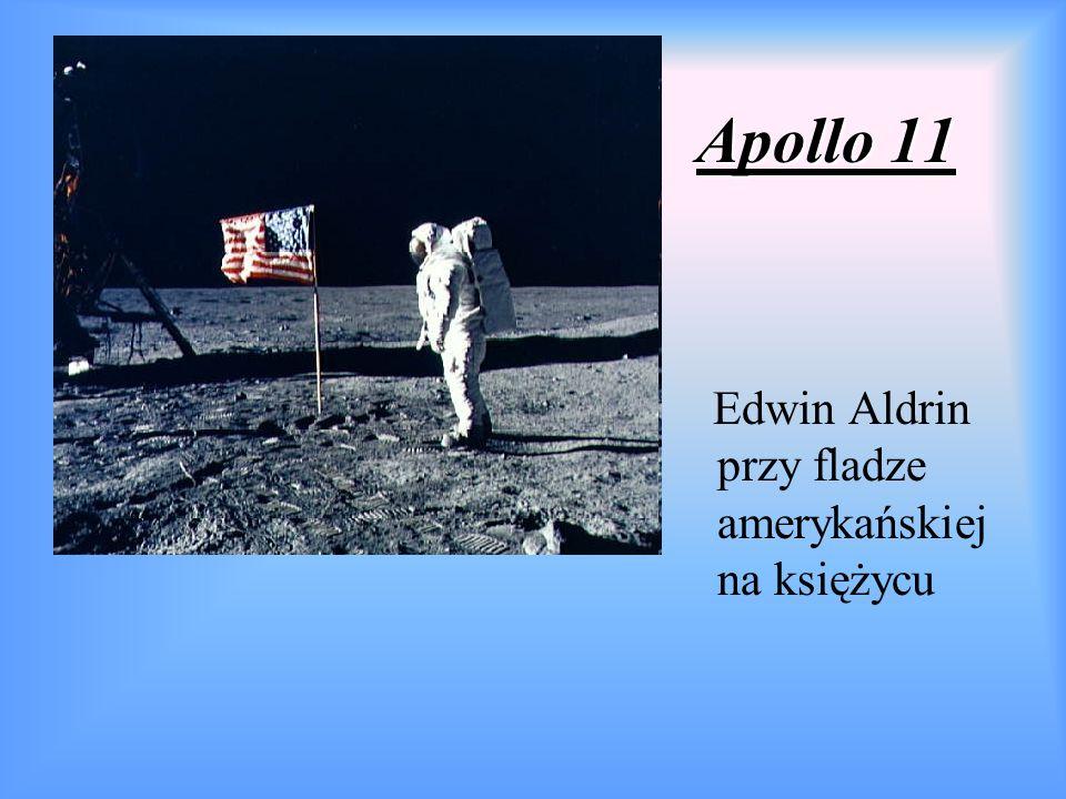 Apollo 11 Edwin Aldrin przy fladze amerykańskiej na księżycu