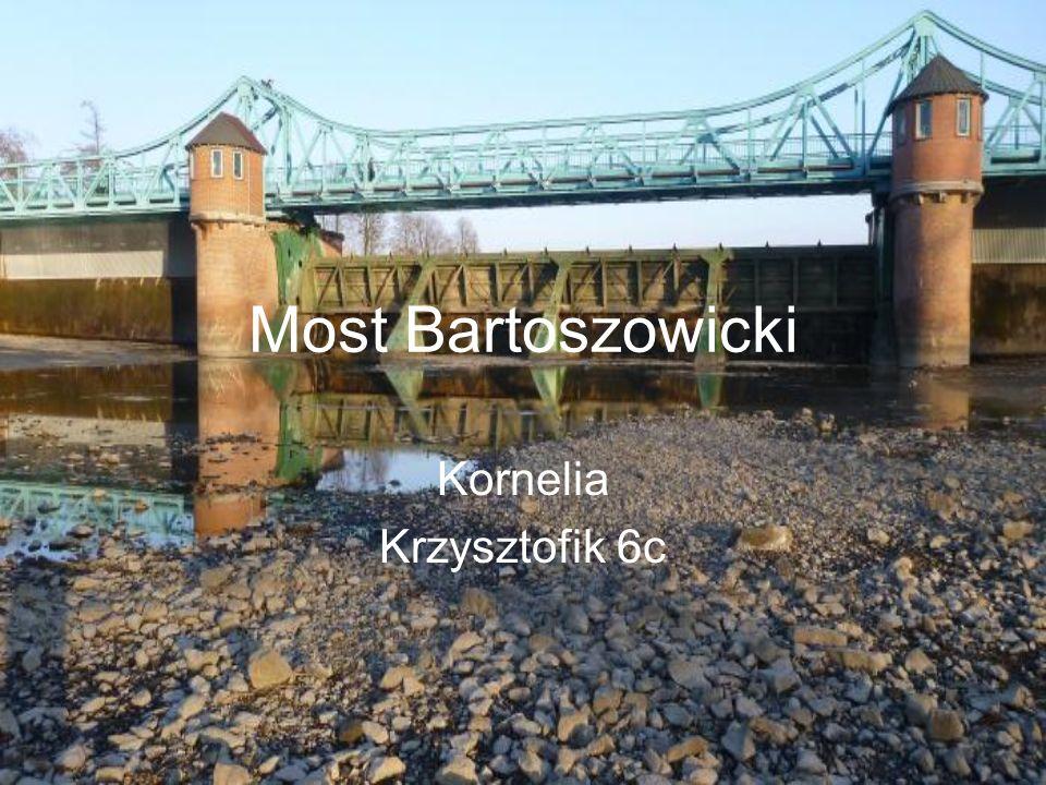 O nim Powstał w latach 1913-1917 w związku z budową infrastruktury kanałów Powodziowego i Żeglugowego.
