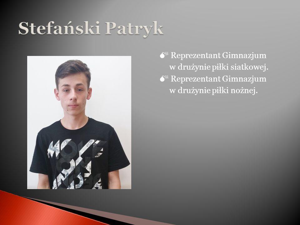  Reprezentant Gimnazjum w drużynie piłki siatkowej.
