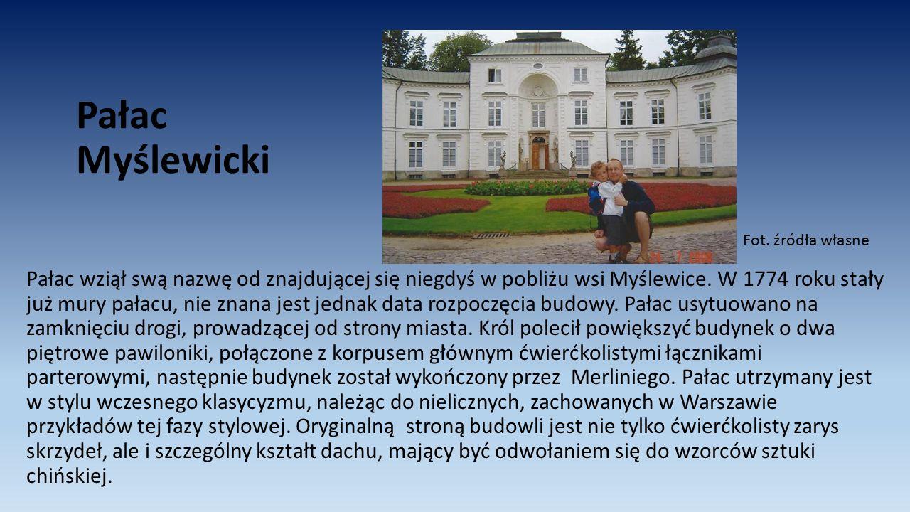 Pałac Myślewicki Pałac wziął swą nazwę od znajdującej się niegdyś w pobliżu wsi Myślewice. W 1774 roku stały już mury pałacu, nie znana jest jednak da
