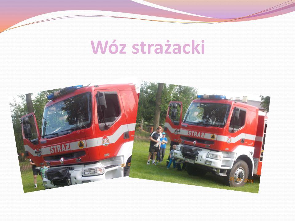 Odbył się pokaz Straży Pożarnej, który zaciekawił nie tylko dzieci, ale i młodzież oraz dorosłych.