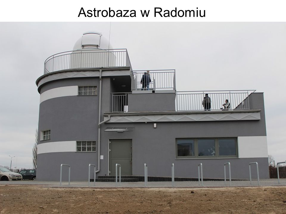 Astrobaza Radom – obserwatorium astronomiczne Budynek 3 kondygnacyjny, z kopułą, tarasem oraz salą do prelekcji Powierzchnia budynku ok 600 metrów kwadratowych, wysokość 10 metrów.