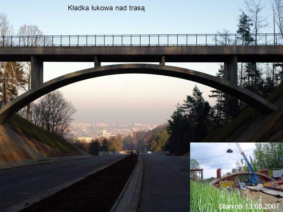 Widok z wiaduktu WD-2 na dzielnicę Cisowa
