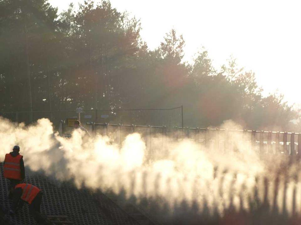 Stan na 13.05.2007 Kładka łukowa nad trasą