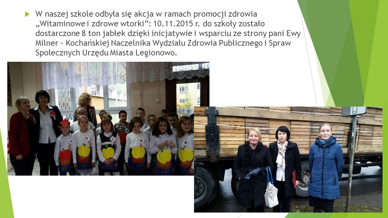 """ W naszej szkole odbyła się akcja w ramach promocji zdrowia """"Witaminowe i zdrowe wtorki : 10.11.2015 r."""