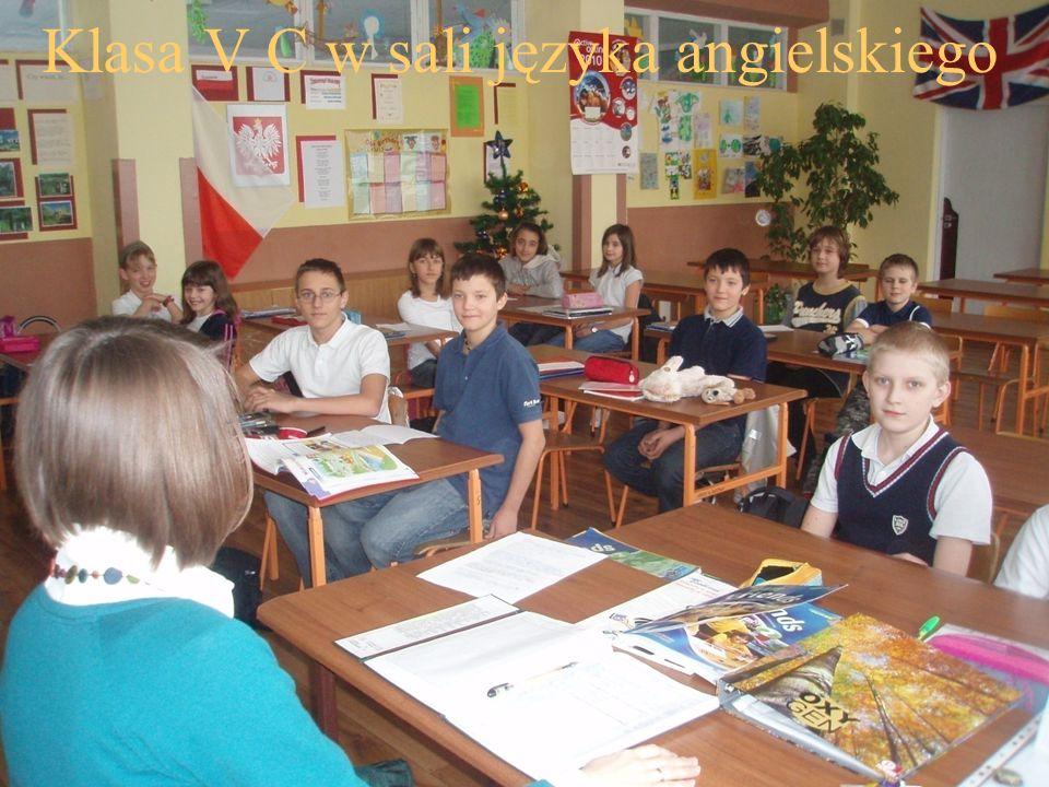 Klasa V C w sali języka angielskiego