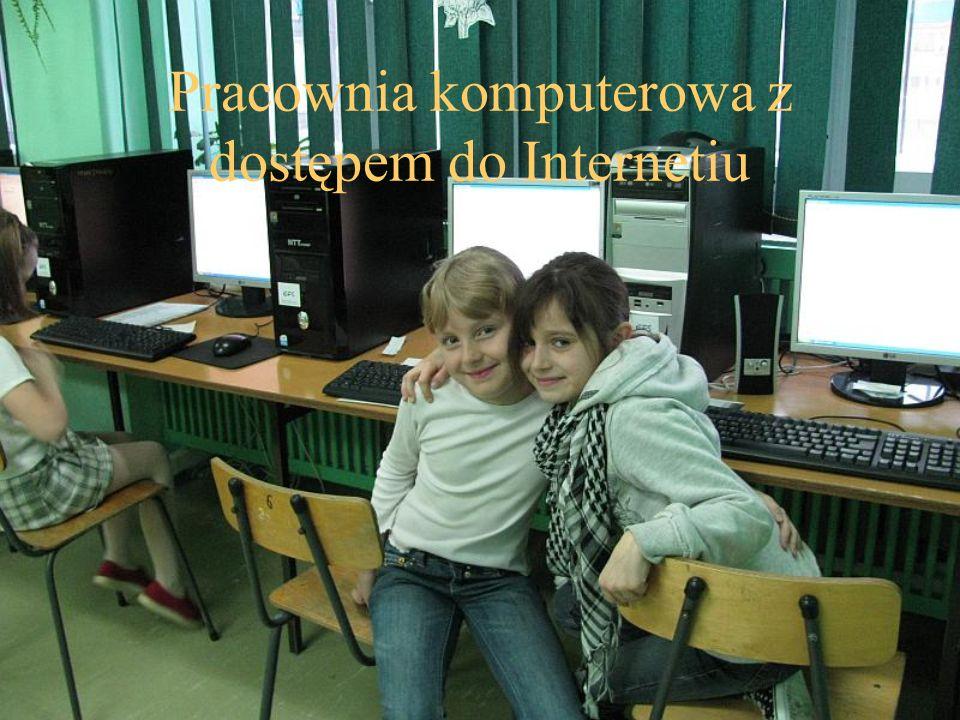 Pracownia komputerowa z dostępem do Internetiu