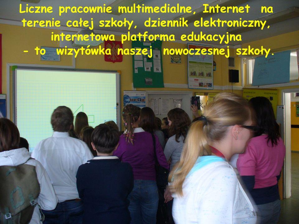 Liczne pracownie multimedialne, Internet na terenie całej szkoły, dziennik elektroniczny, internetowa platforma edukacyjna - to wizytówka naszej nowoczesnej szkoły.