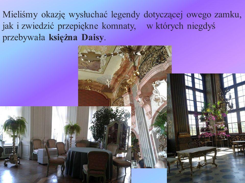 Mieliśmy okazję wysłuchać legendy dotyczącej owego zamku, jak i zwiedzić przepiękne komnaty, w których niegdyś przebywała księżna Daisy.
