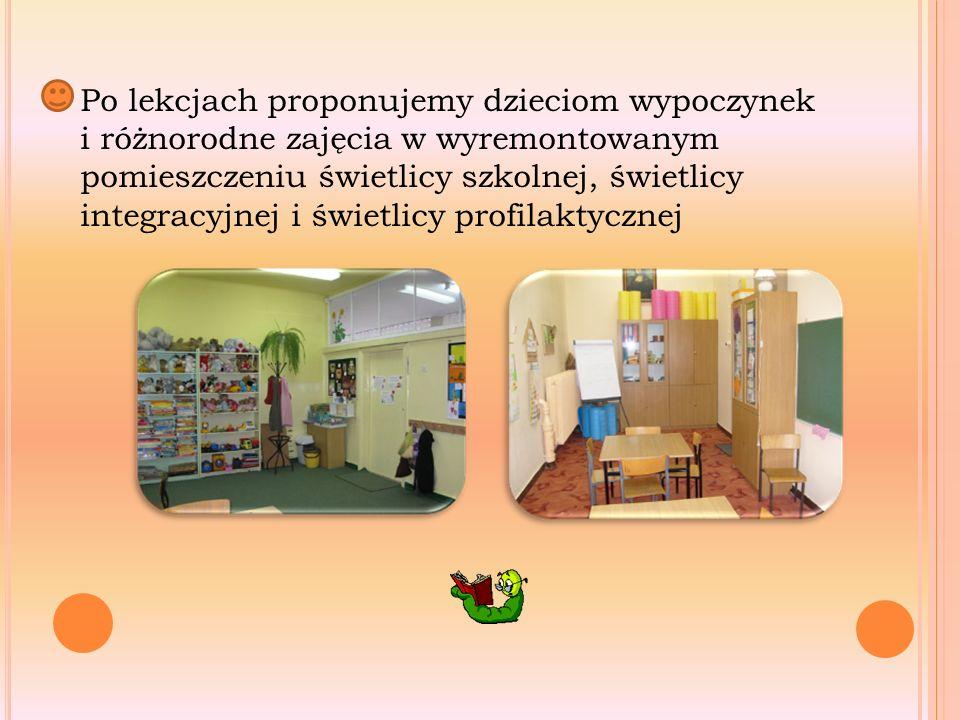 Po lekcjach proponujemy dzieciom wypoczynek i różnorodne zajęcia w wyremontowanym pomieszczeniu świetlicy szkolnej, świetlicy integracyjnej i świetlicy profilaktycznej