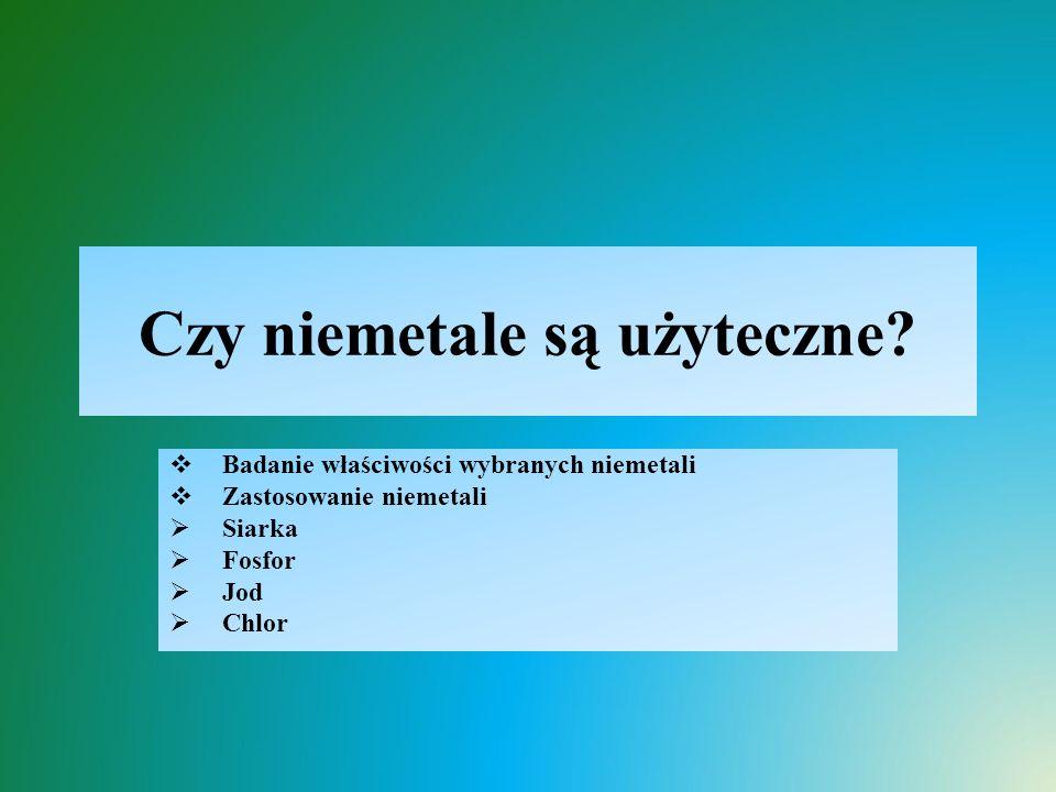Badanie właściwości siarki  Stan skupienia, barwa, zapach:  ciało stałe, barwy żółtej, praktycznie bez zapachu (zapach słabo wyczuwalny)  Rozpuszczalność w wodzie:  praktycznie nierozpuszczalna  Przewodnictwo elektryczne:  nie przewodzi prądu (jest izolatorem)  Temperatura topnienia:  ogrzewana przechodzi w stan ciekły (niska temp.