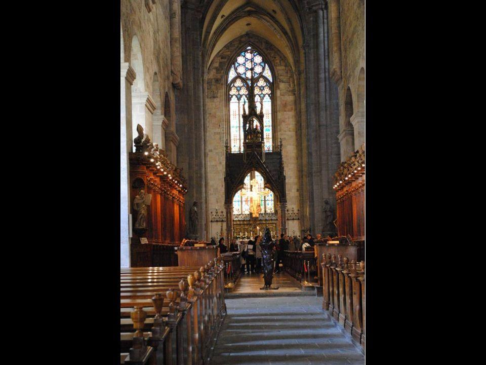 Śpiewają Benedyktyni Opactwa Tynieckiego.