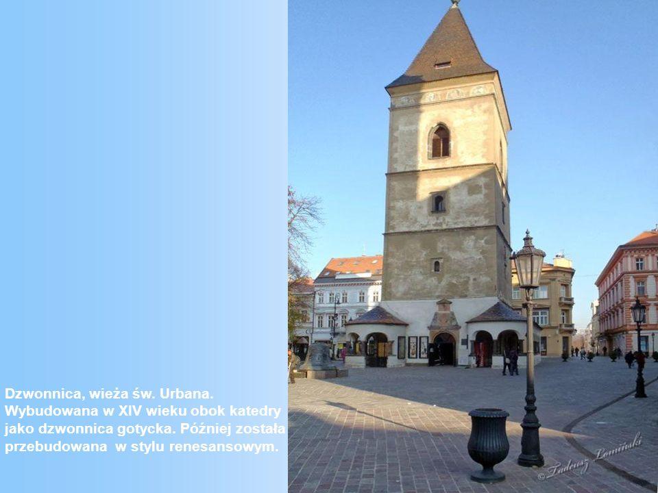 Dzwonnica, wieża św.Urbana. Wybudowana w XIV wieku obok katedry jako dzwonnica gotycka.
