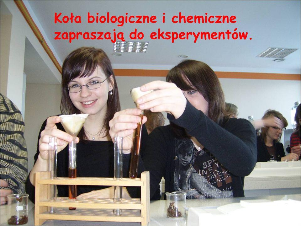 Koła biologiczne i chemiczne zapraszają do eksperymentów.