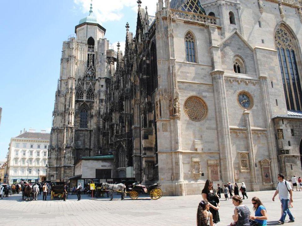 Katedra jest najważniejszą i jedną z najstarszych świątyń w stolicy Austrii.
