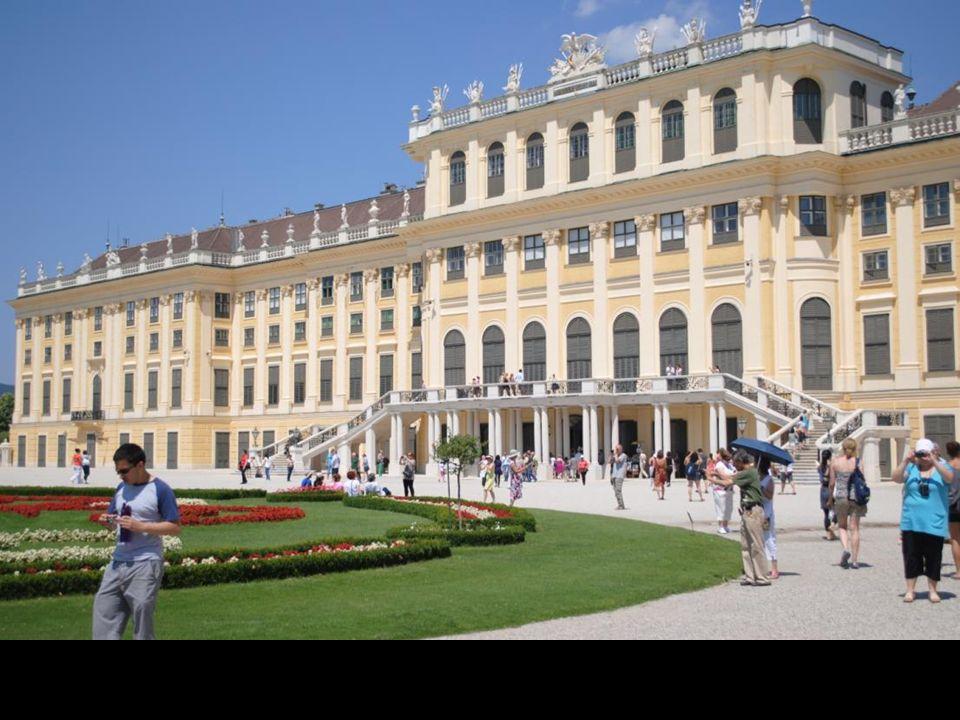 Główna brama Hofburga