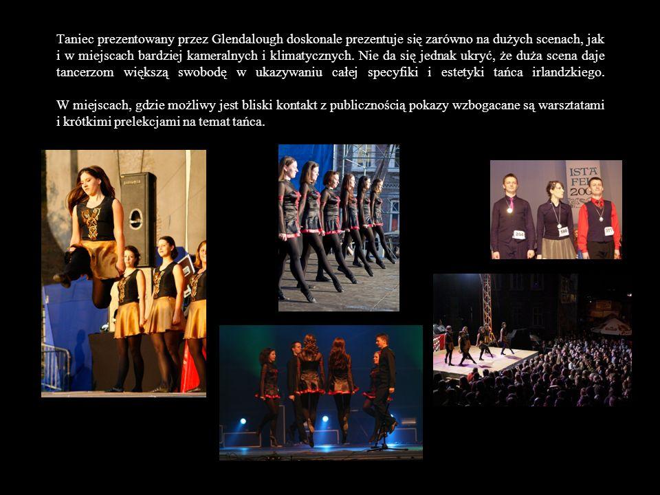 W przypadku imprez plenerowych, zespół przygotowuje choreografie przestrzenne na dużą liczbę tancerzy (do dziewięciu osób jednocześnie na scenie!).